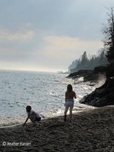 cobblestone beach lutsen