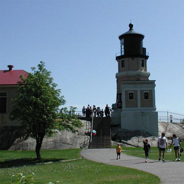 back side of split rock lighthouse