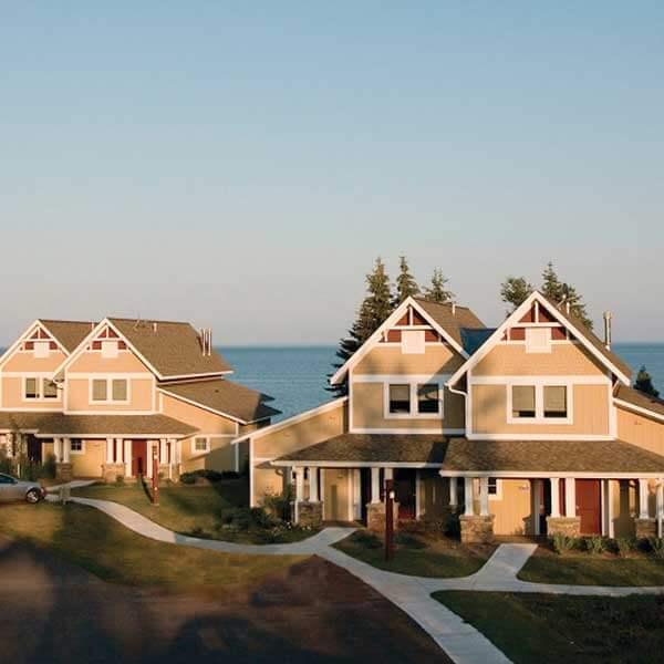 Larsmont Cottages Real Estate