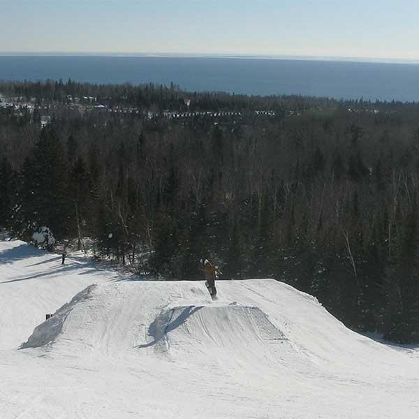 ski snowboard lutsen mountains