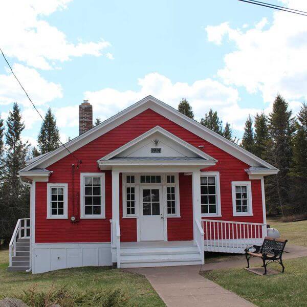 larsmont mn little red schoolhouse community center