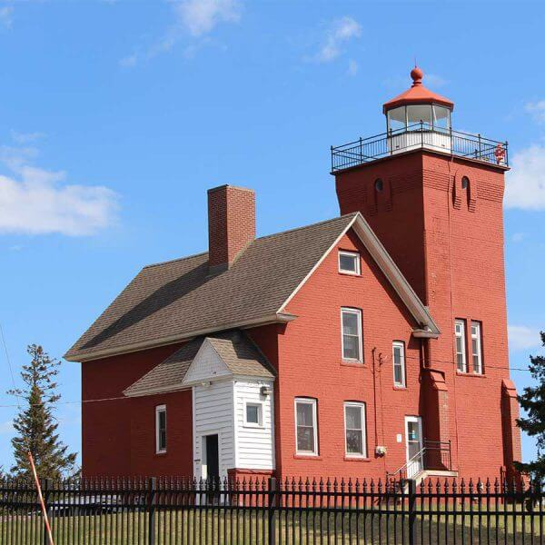 Lighthouse tower and keeper home two harbors mn