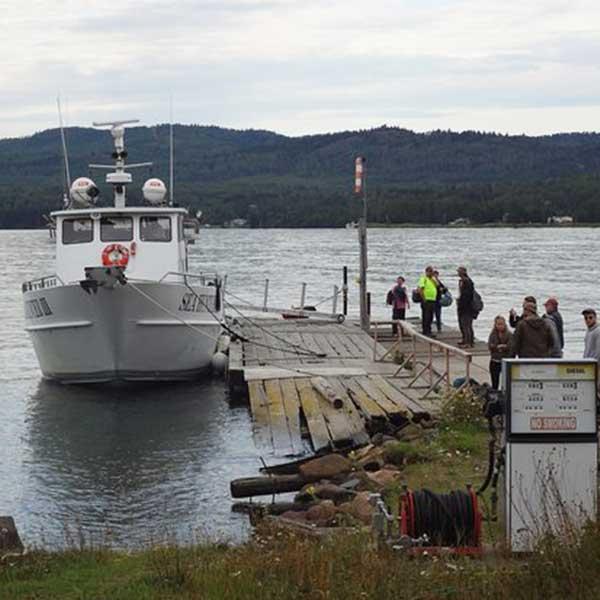 sea hunter ii at the grand portage dock