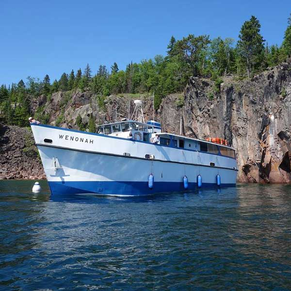 wenonah ship with north shore scenic cruises
