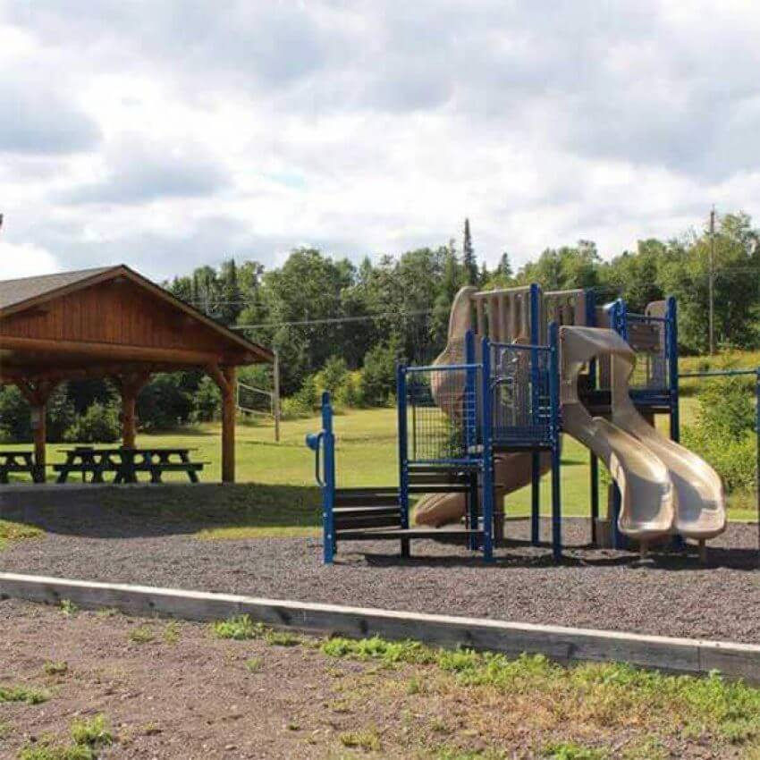 pavilion picnic tables and playground at grandview park lutsen mn