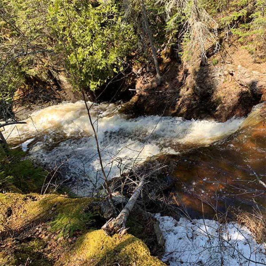 water cascading through kadunce river valley
