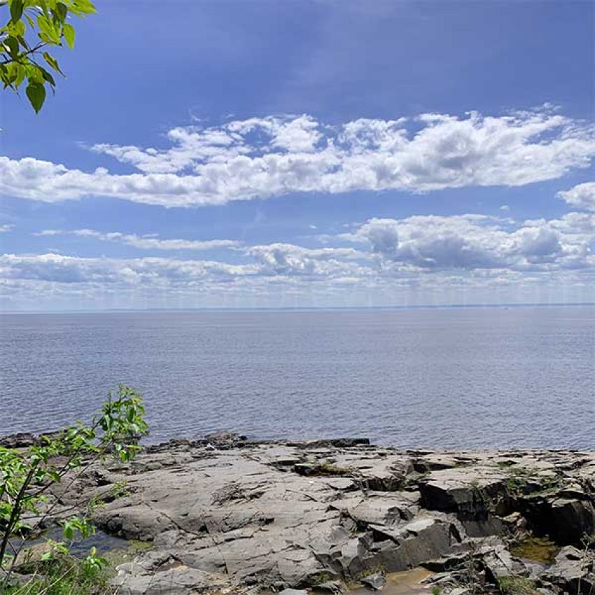 lester-river-shoreline